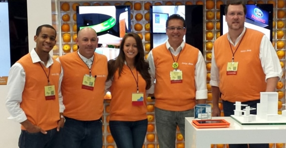 Trade Show Exhibits Require Team Efforts